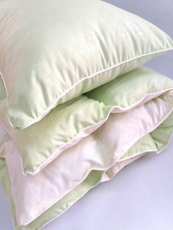 Комплект одеяло и подушка салатовый  ПОСТЕЛЬНОЕ БЕЛЬЕ И ТОВАРЫ ДЛЯ ДЕТЕЙ > Подушки и одеяла