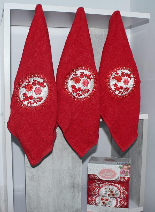 Набор полотенец Lovely красн. (3 шт)  Полотенца > Наборы полотенец